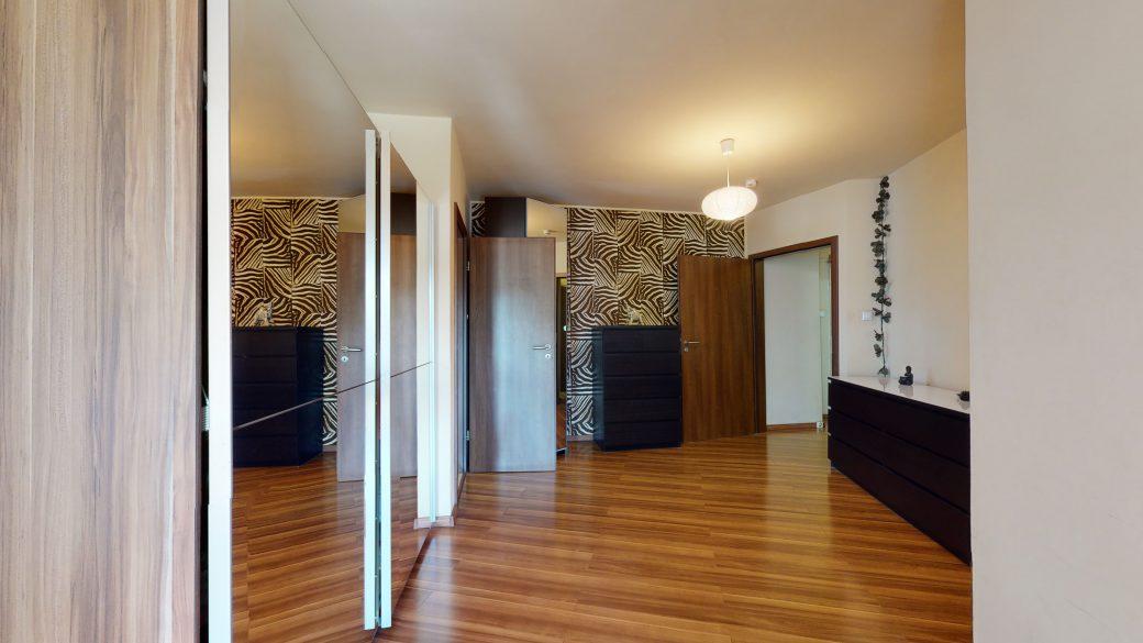 25-Zimmer-Wohnung-in-Stuttgart-Zuffenhausen-08112020_161450