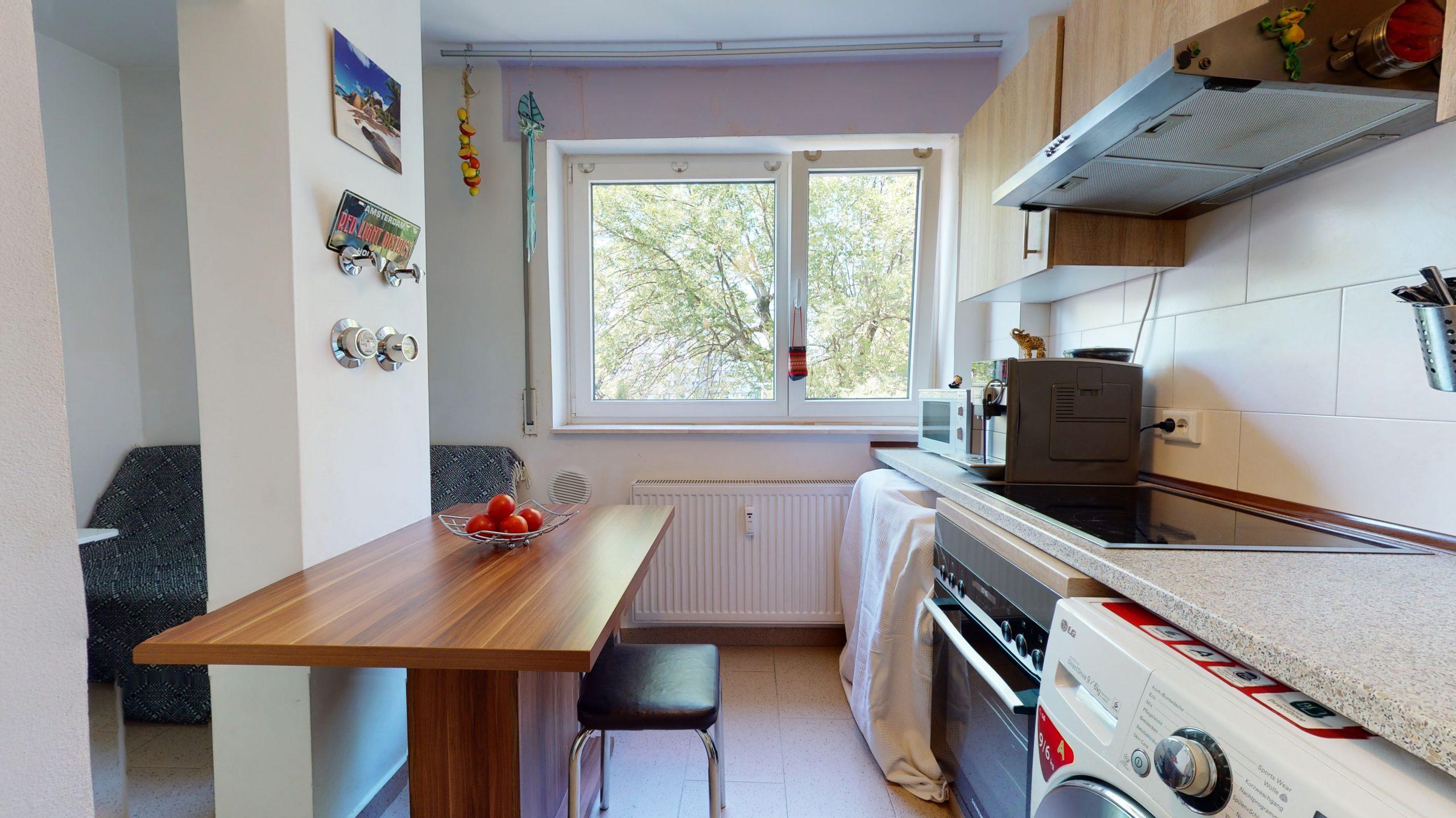 25-Zimmer-Wohnung-in-Stuttgart-Zuffenhausen-08112020_161538