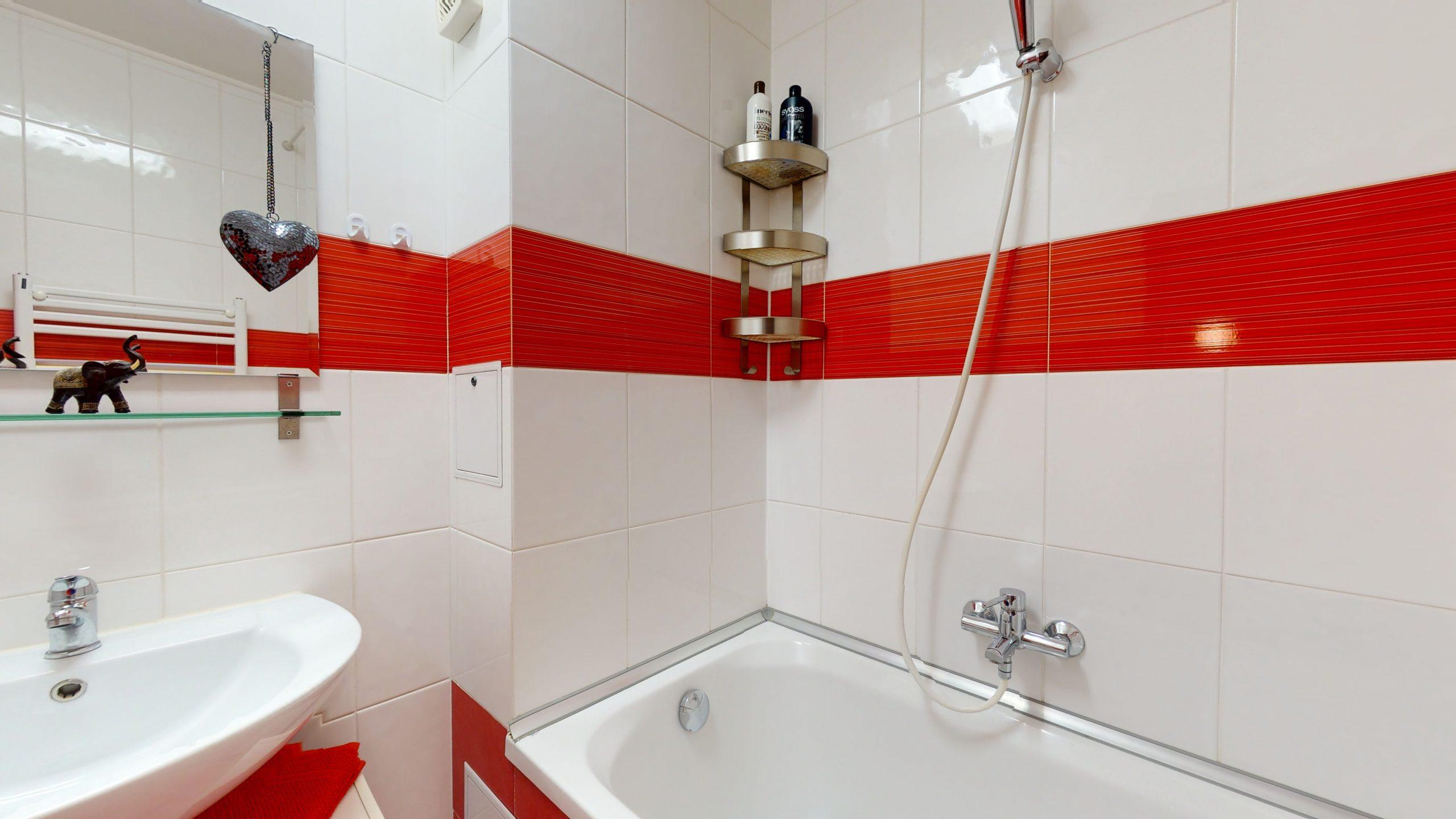 25-Zimmer-Wohnung-in-Stuttgart-Zuffenhausen-08112020_161640