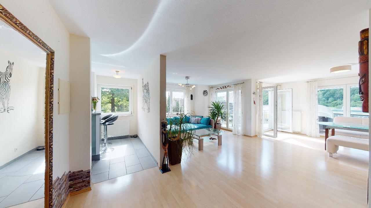 Groes-Einfamilienhaus-mit-ELW-2-Garagen-und-Hebebuhne-mit-toller-Aussicht-08212020_121428