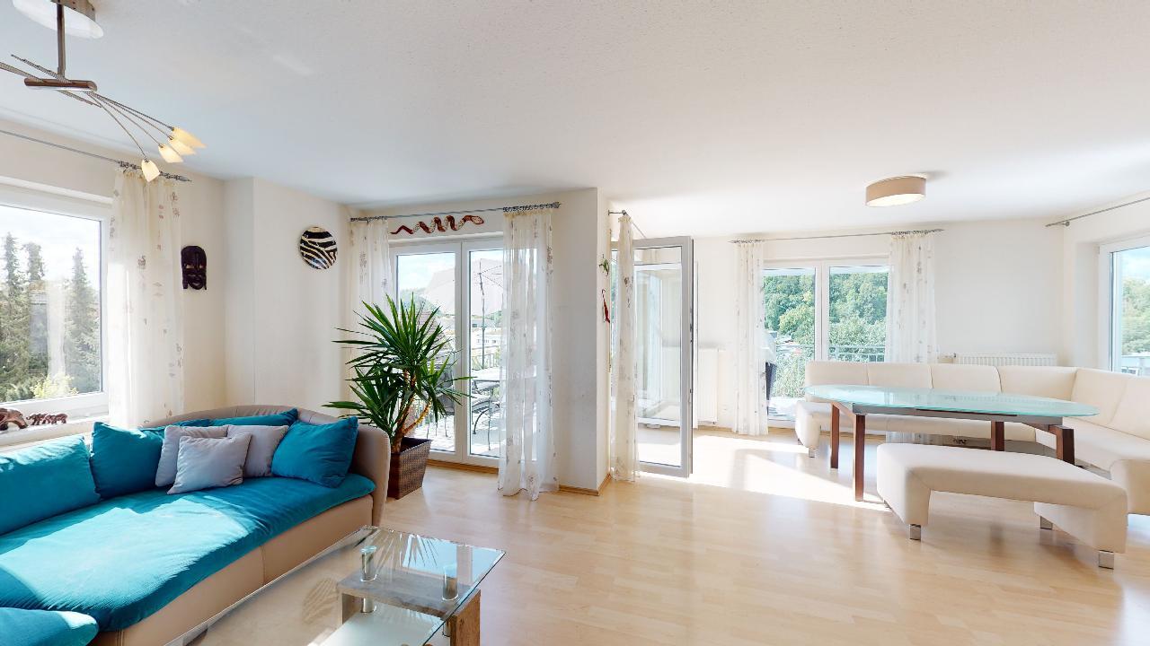 Groes-Einfamilienhaus-mit-ELW-2-Garagen-und-Hebebuhne-mit-toller-Aussicht-09022020_112403