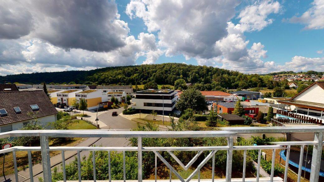 Groes-Einfamilienhaus-mit-ELW-2-Garagen-und-Hebebuhne-mit-toller-Aussicht-09022020_113337