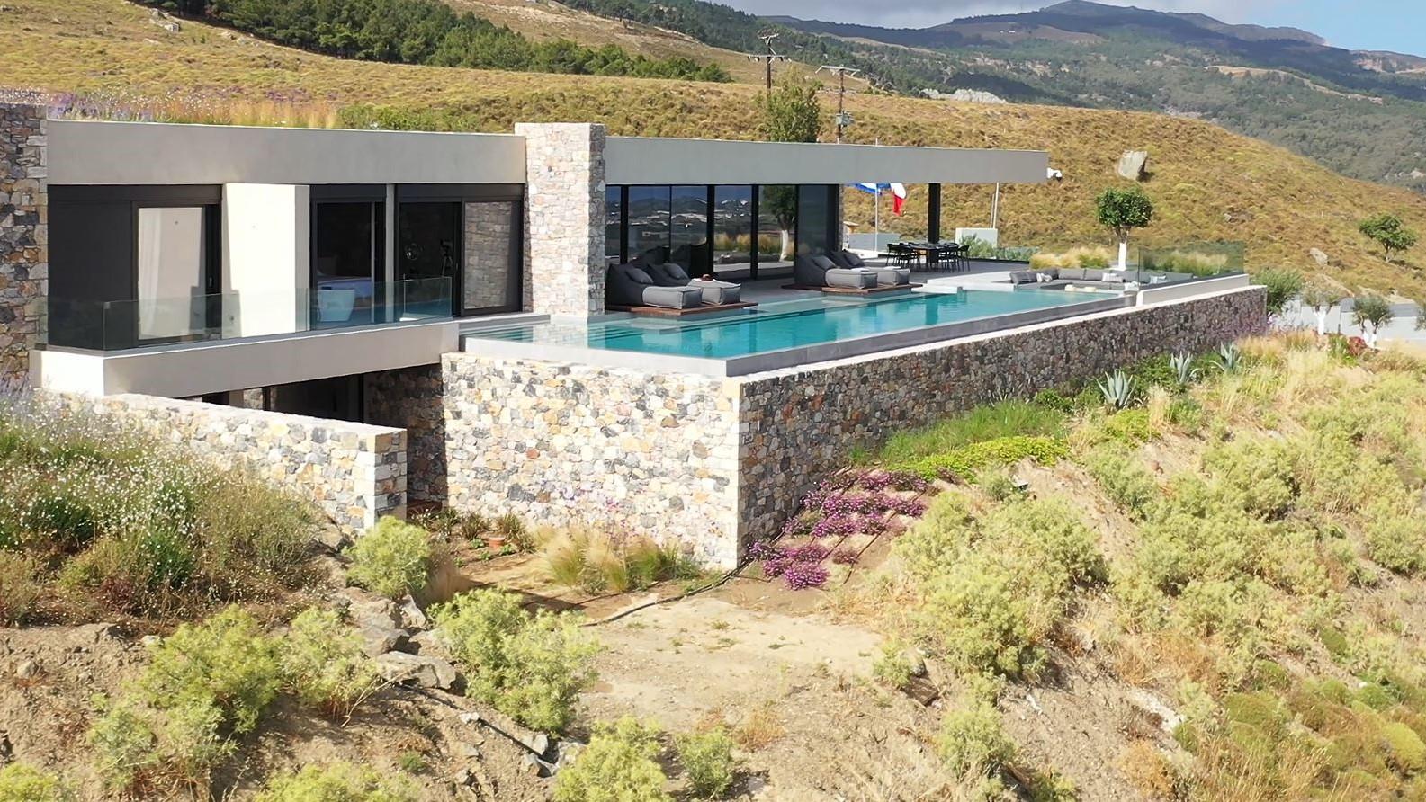…Einzigartige Villa
