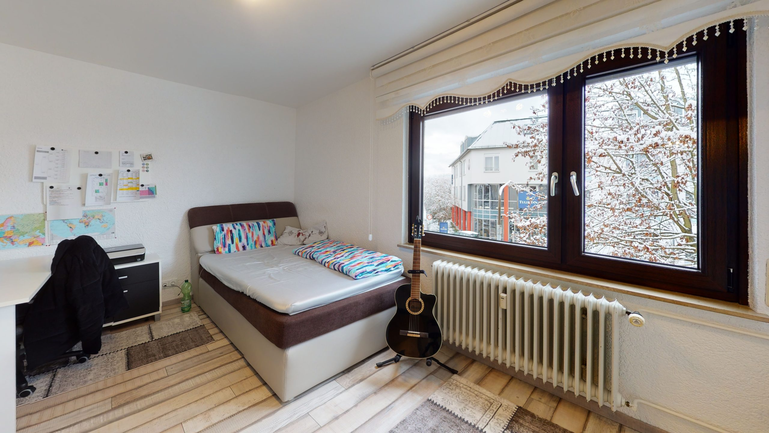 Schone-4-Zimmer-Wohnung-in-Sindelfingen-Bedroom(2)