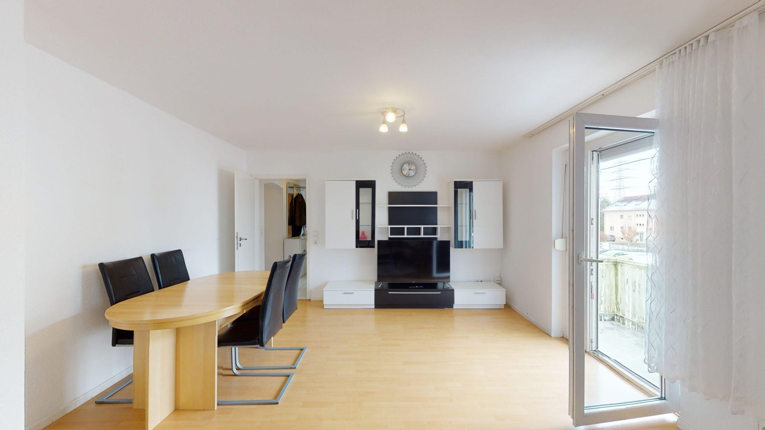 Schone-4-Zimmer-Wohnung-mit-2-Balkonen-und-viel-Platz-in-Altbach-02162021_094535