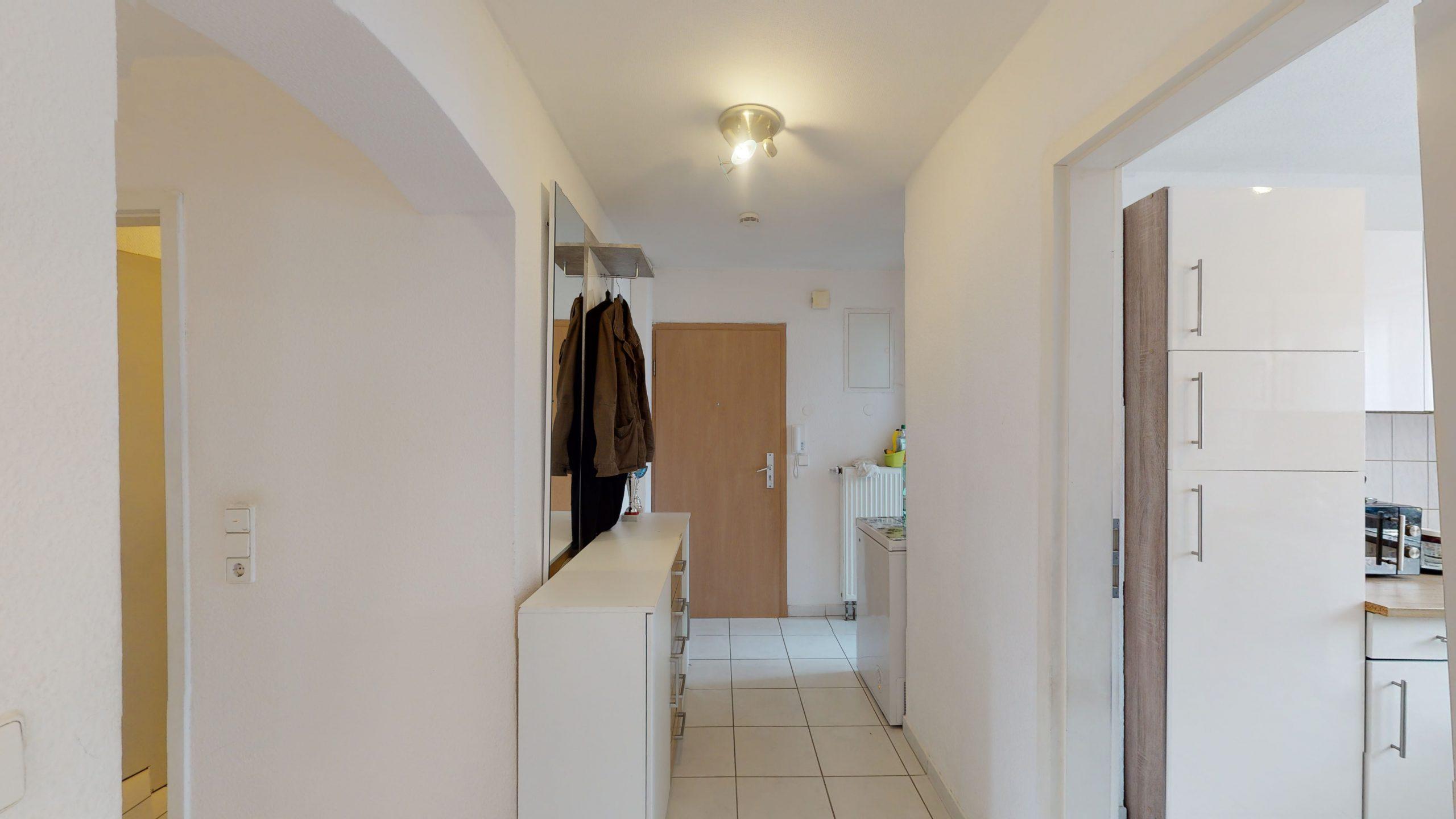 Schone-4-Zimmer-Wohnung-mit-2-Balkonen-und-viel-Platz-in-Altbach-02162021_095448