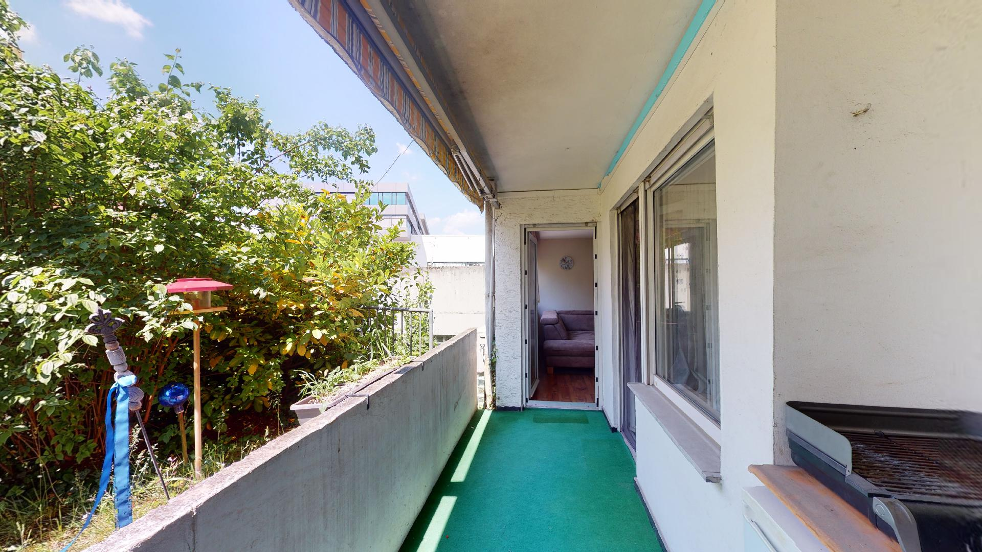 Balkon mit drei Zugängen